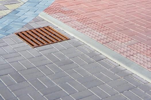 Slepecká betonová dlažba Promenáda